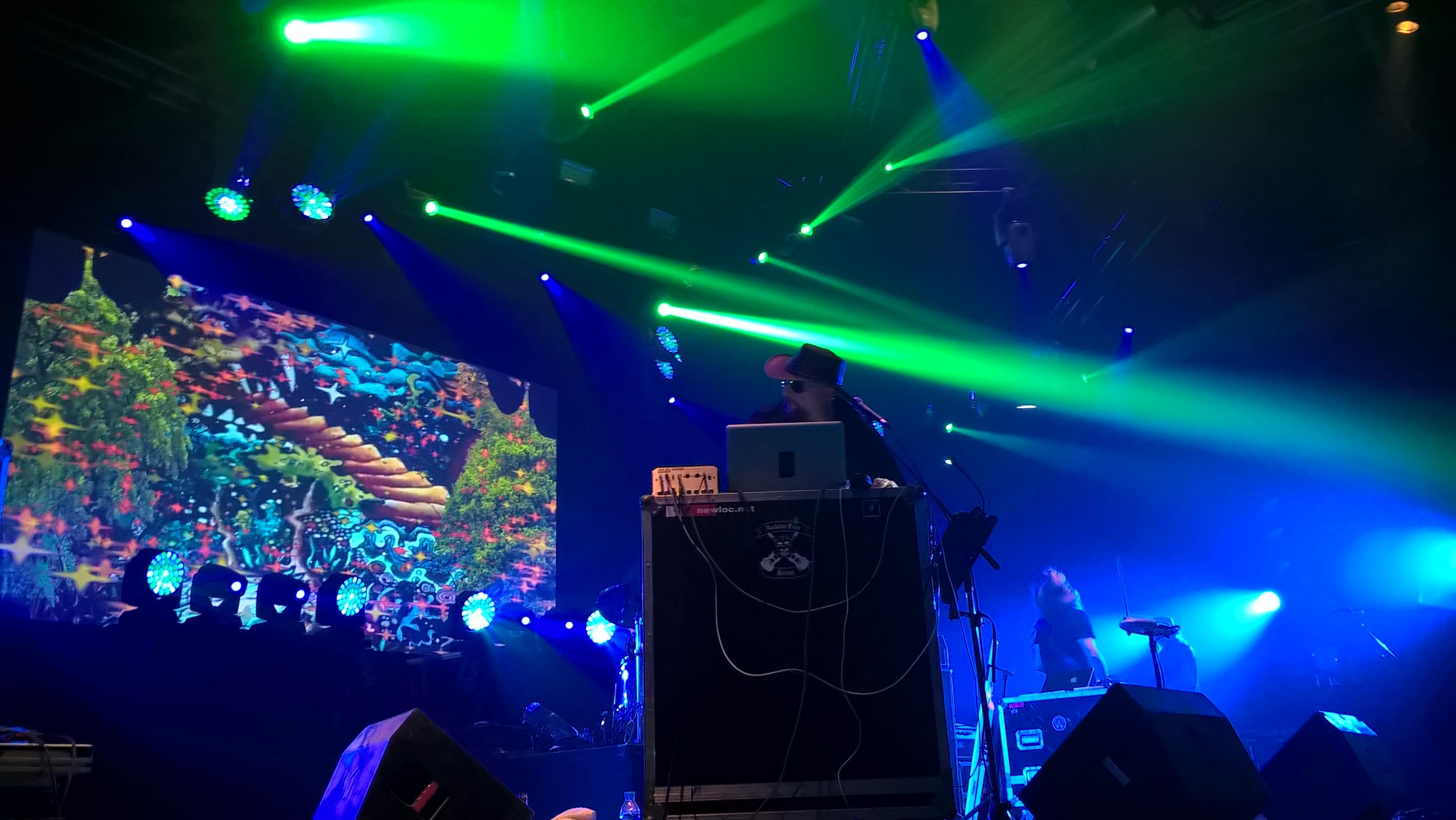 Magnus Martin et les lights show d'Hawkwind/ Hellfest-Clisson/ 18 juin 2017. photo Ziggy/weirdsound/