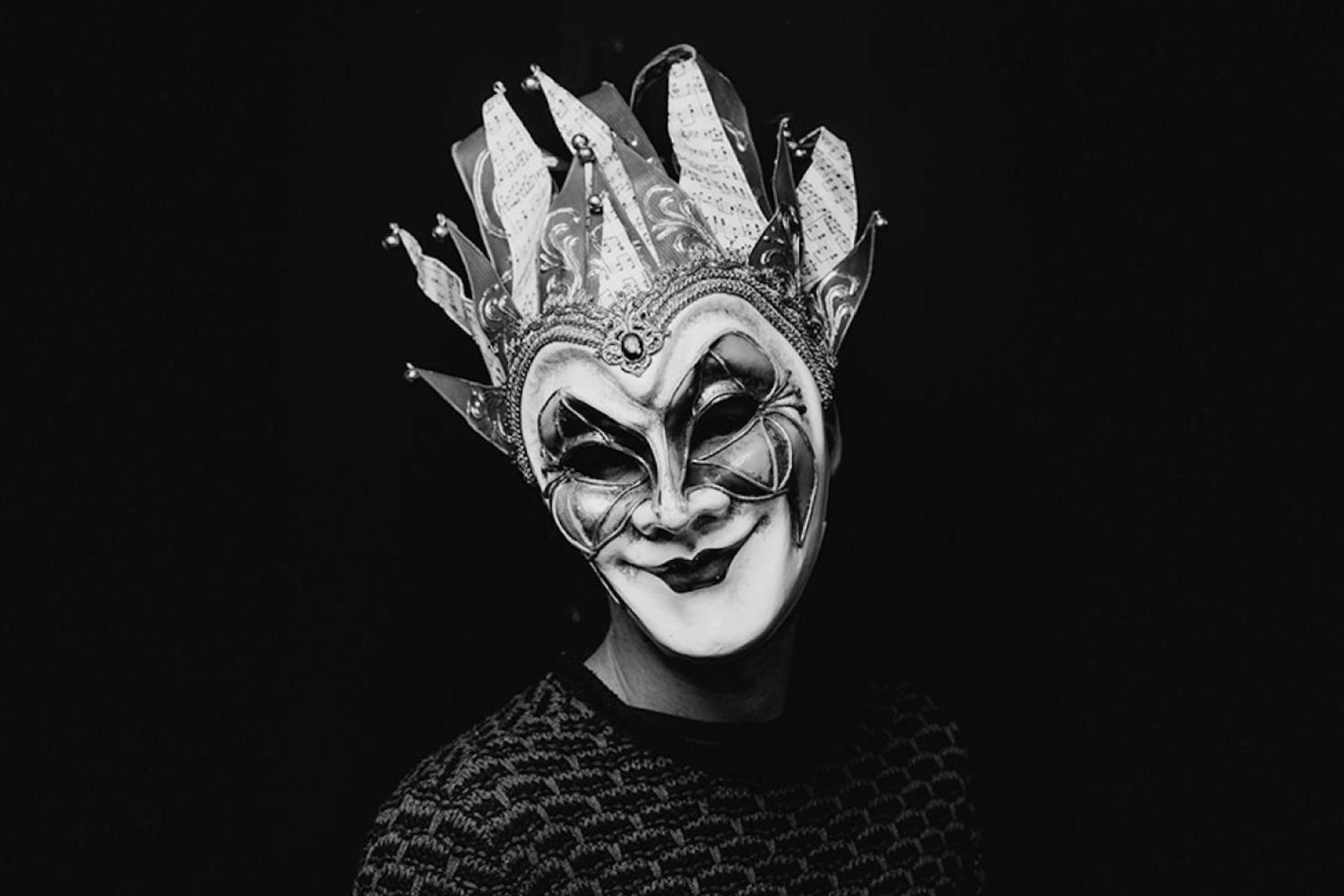 """Boris Brejcha, D.J et producteur de """"High Tech minimal"""" , une des têtes d'affiche de la Collection automne à Chemillé le 17 Novembre 2018."""