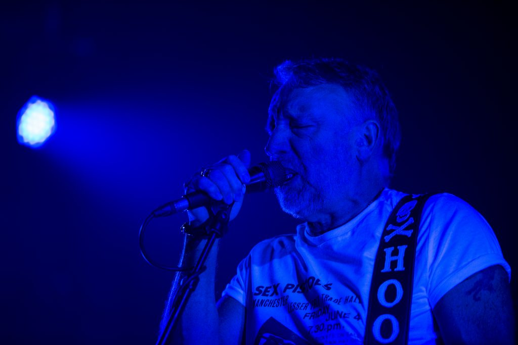 Peter Hook reprenant les classiques de New Order et Joy Division