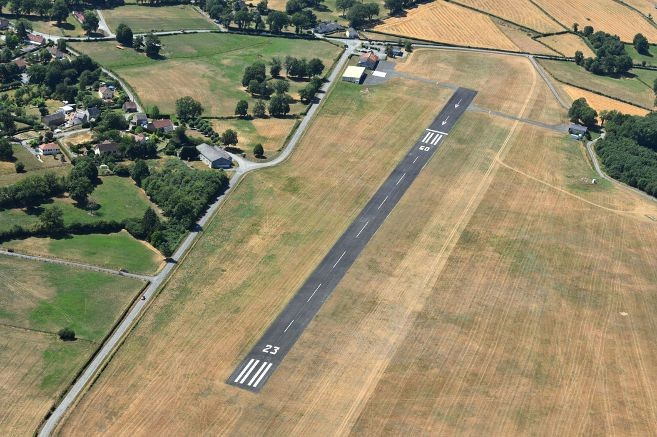 L'aérodrome de Guéret avant installation du festival Check 2019 photo Floris Bressy